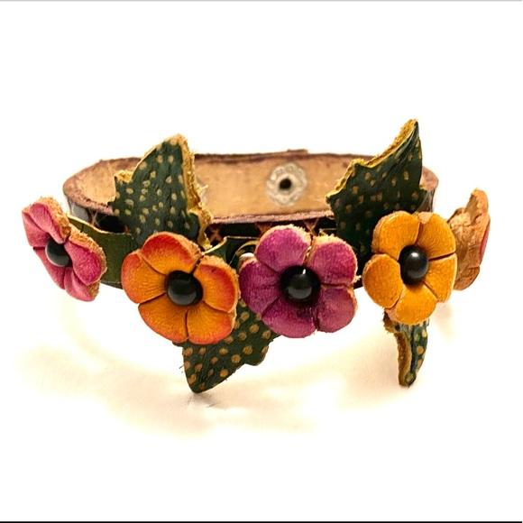 Jewelry - Leather Flower bracelet